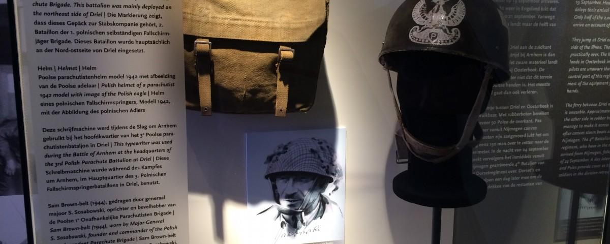 Visit Airborne Museum 'Hartenstein'